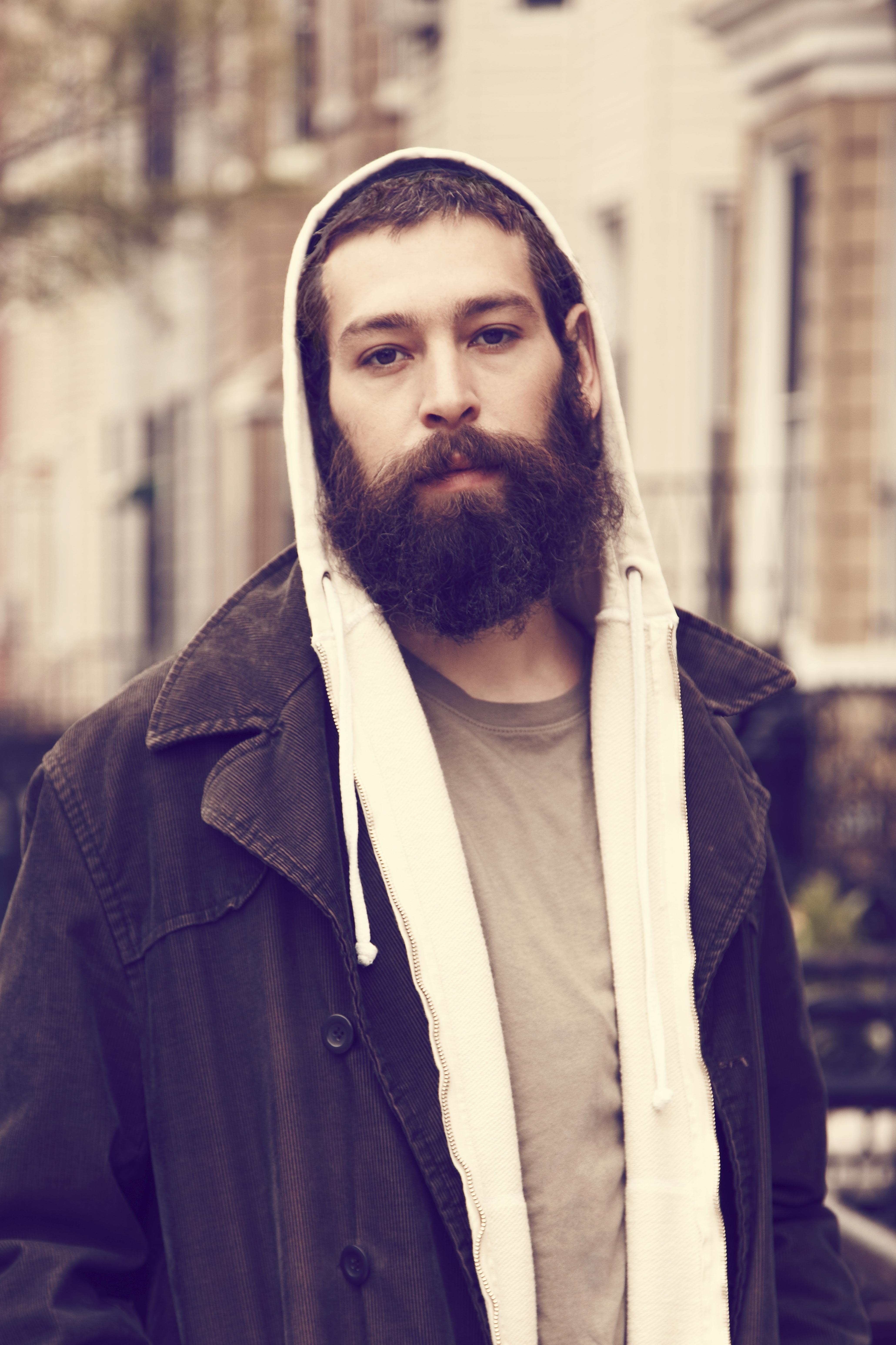 The 38-year old son of father (?) and mother(?), 178 cm tall Matisyahu in 2017 photo